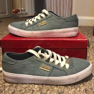 💙Denim Blue Guess Sneakers Size 8💙